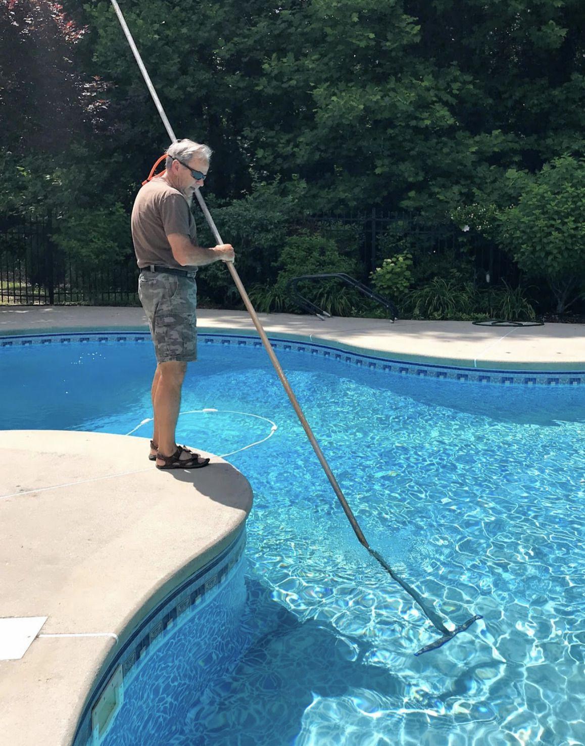Salt Water Systems Vs Chlorine In Swimming Pools Saltwater Pool Pool Chlorine Pool
