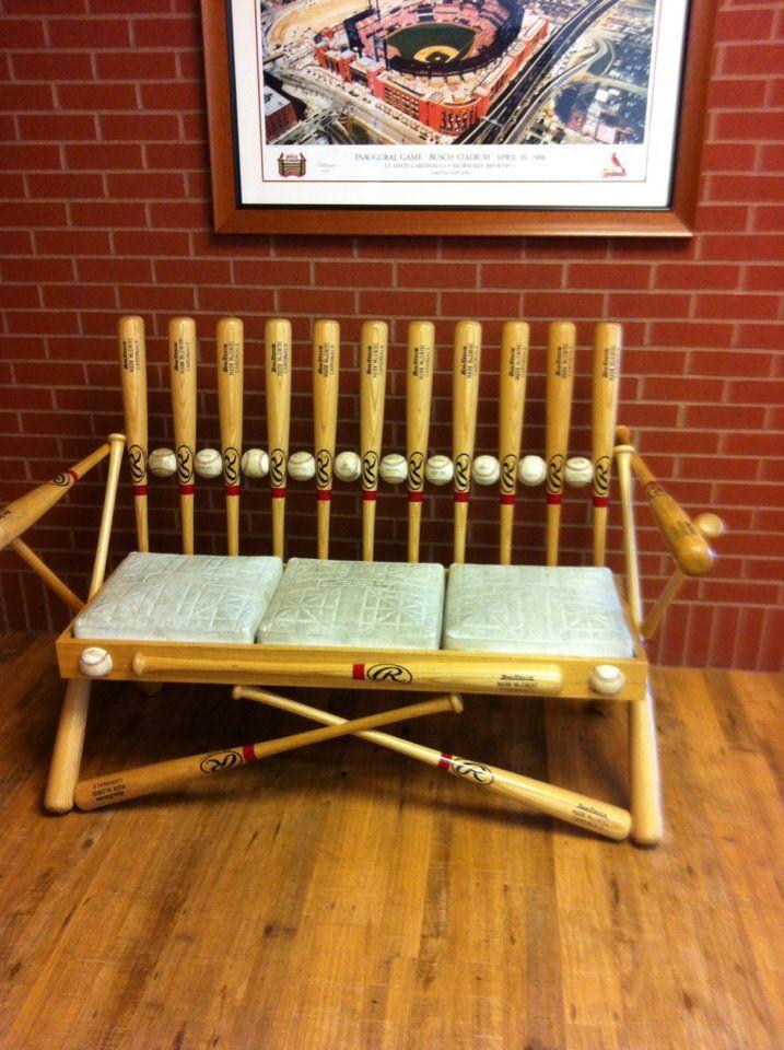 Por si entrenas a un equipo de béisbol y tienes material viejo en casa :)