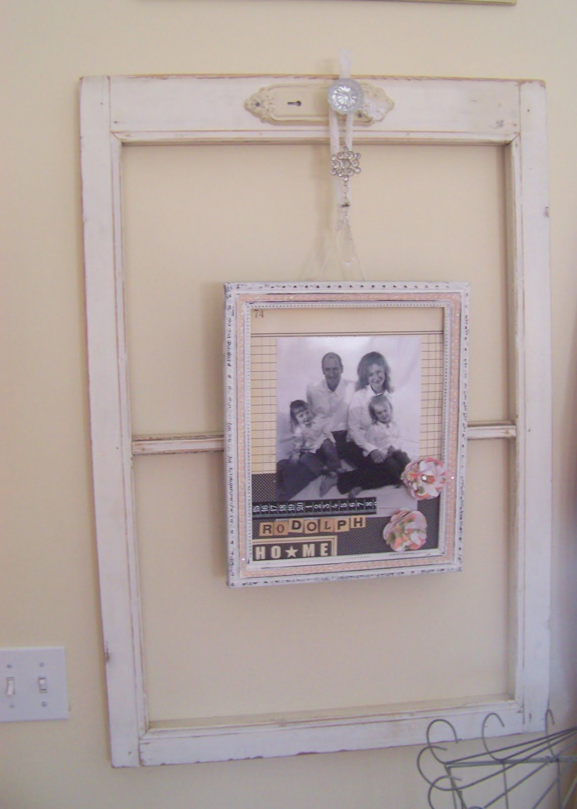 Using Old Window Frames To Decorate She Jami Diy Ideas