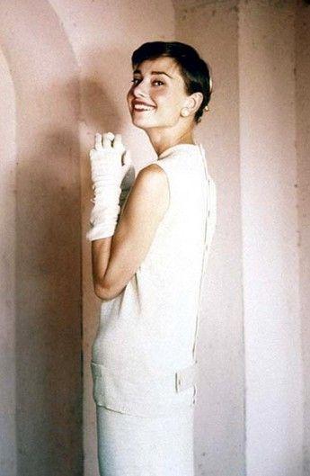 Audrey Hepburn by Norman Parkinson,1955. http://sheilablanchette.wordpress.com/2013/09/23/walking-days-117-132-two-weeks-of-walking/