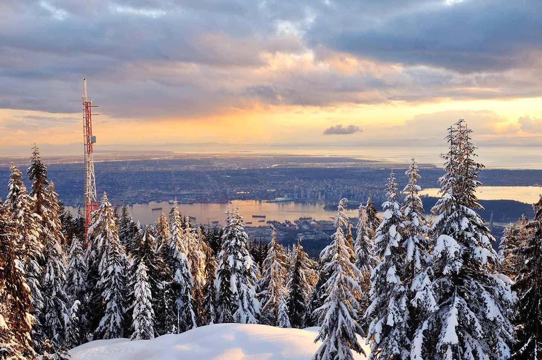 Grouse Mountain, Vancouver, Canada // Plan your perfect Trip on www.exploya.com // #exploya #wanderlust #bucketlist #takemethere #travellife #traveladdict #traveltheworld #travelphotography #travelpics #travelphoto #inspiration #instagood #travelingram #travelgram  #travel #startup #instatravel #travels #traveling #travelling #traveler #traveller  #grousemountain #vancouver #britishcolumbia #canada #visitbc