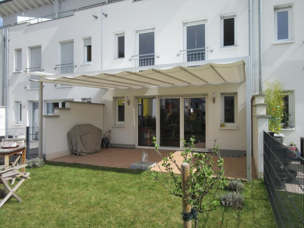 Reihenhaus Mit Garten Dachterrasse In 2020 Reihenhaus Sonnensegel Garten Haus