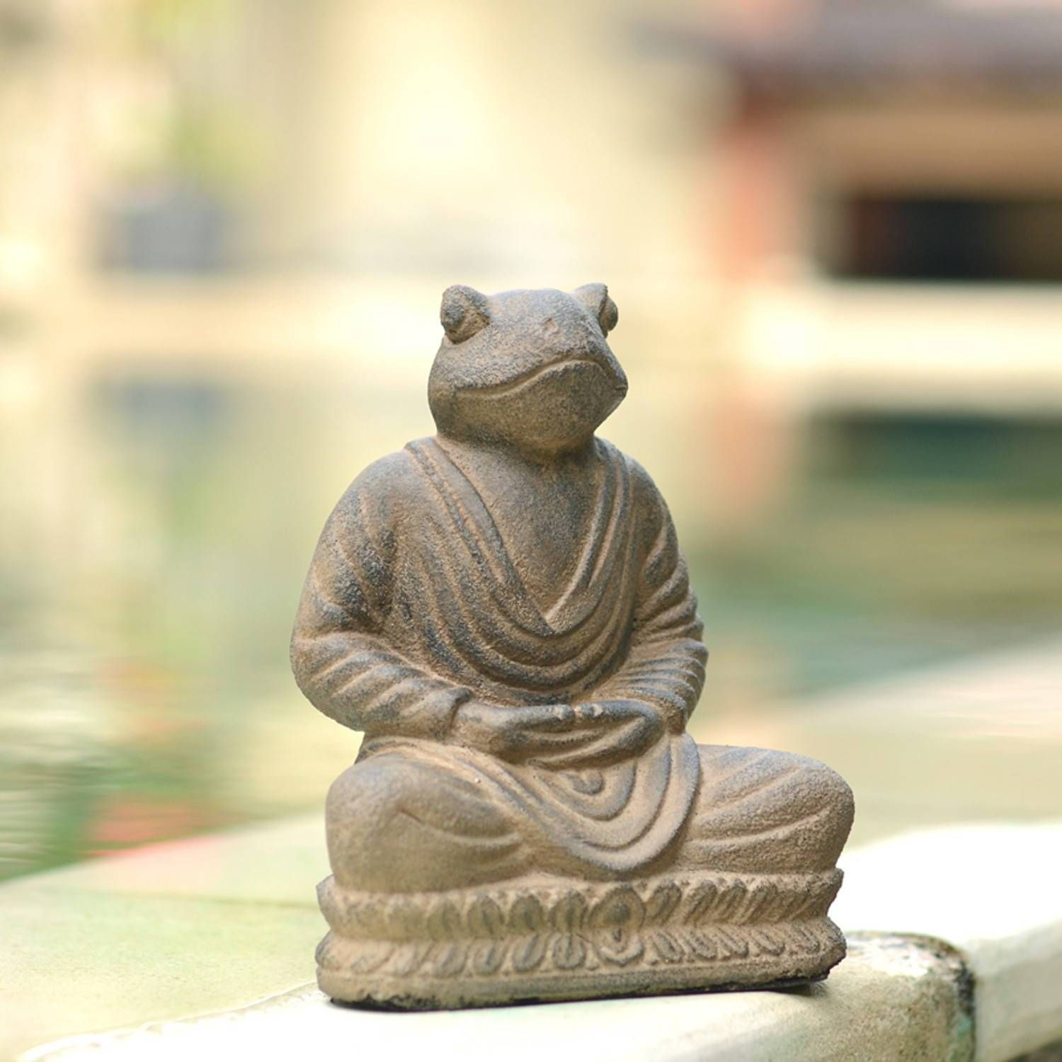 Perfect For Your Office Desk Or Garden This Adorable Statue Features A Frog Meditating Handmade By Artisans In Indonesia T Frog Statues Statue Buddha Statue