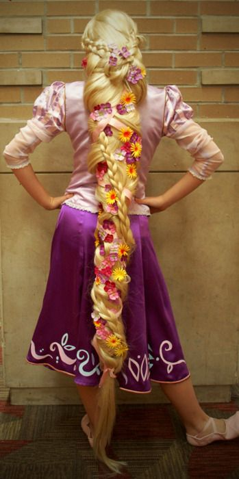 Oh My Goodness I Want The Whole Costume Especially The Wig Rapunzel Cosplay Rapunzel Rapunzel Braid