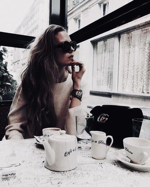 dine, eating, photo inspo, sunglasses, fashion, jewelry