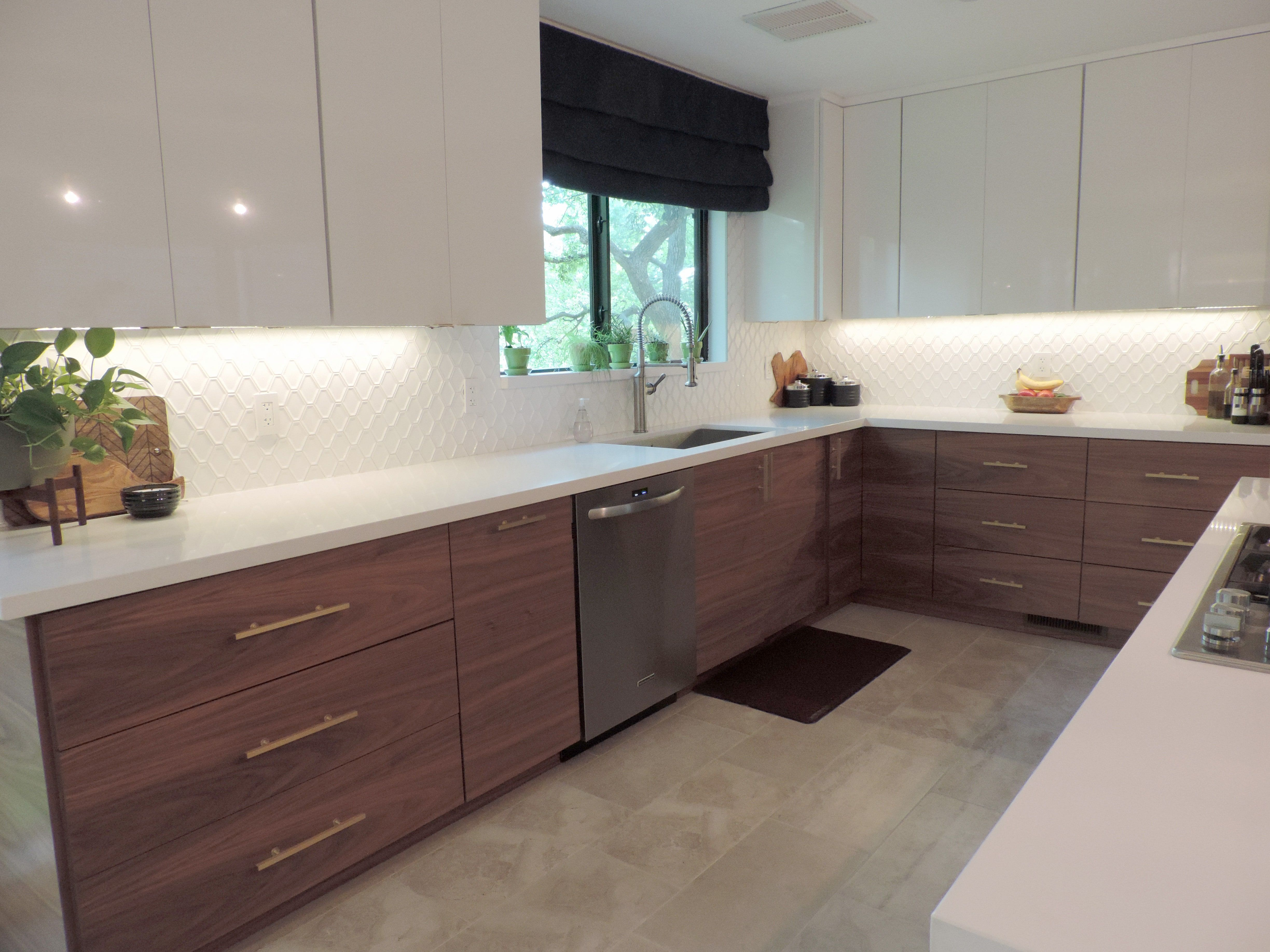 A Mid Century Modern Ikea Kitchen For A Gorgeous Light