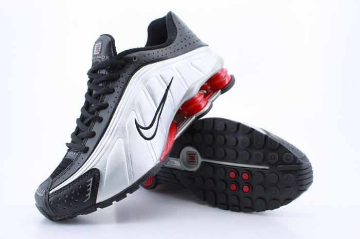 Nike Shox R4 Black And White