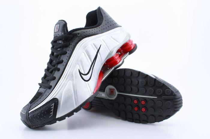 reputable site 5a1e9 89c05 Nike Shox R4   The shoe game   Pinterest   Nike shox, Nike shox ...