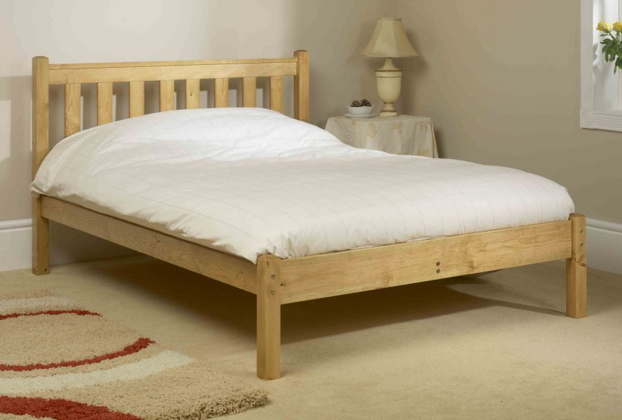Charmant Simple Wooden Bed Frame (900×608)