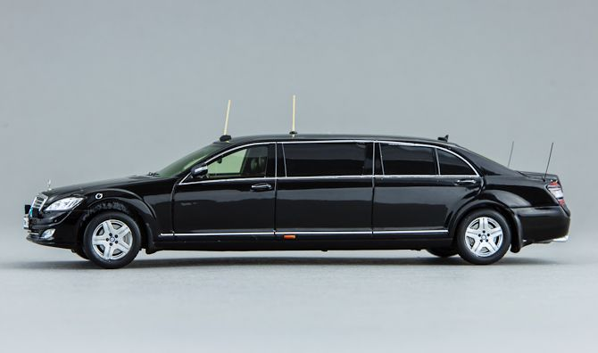 GON221 Mercedes-Benz S600 Pullman Guard (W221), автомобиль президента Д. Медведева