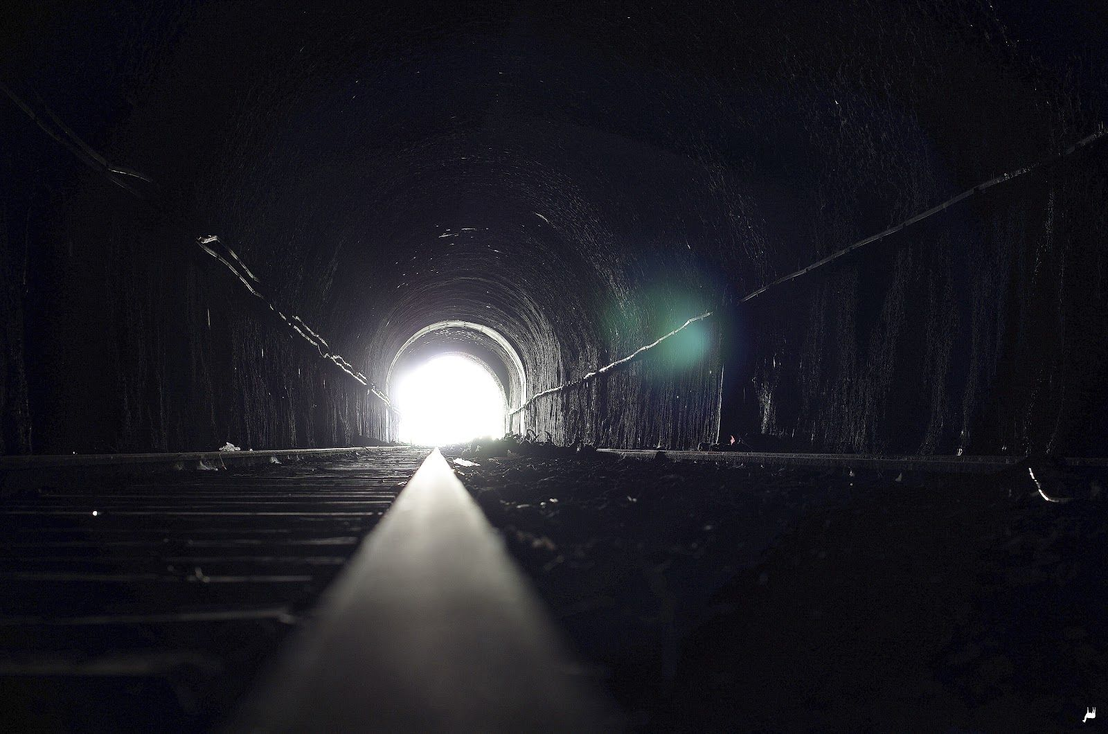 Tunnel back light