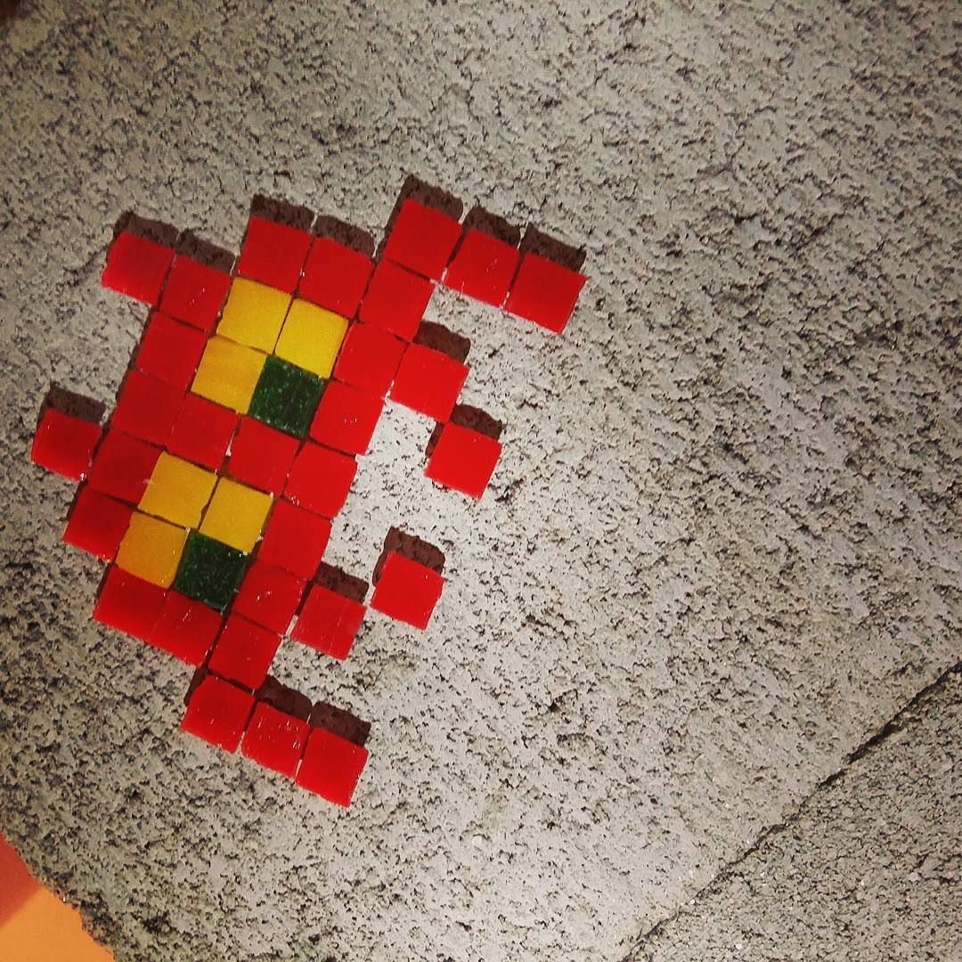 On instagram by todo_vuelv #spaceinvader #unas (o) http://ift.tt/1K4FLvx