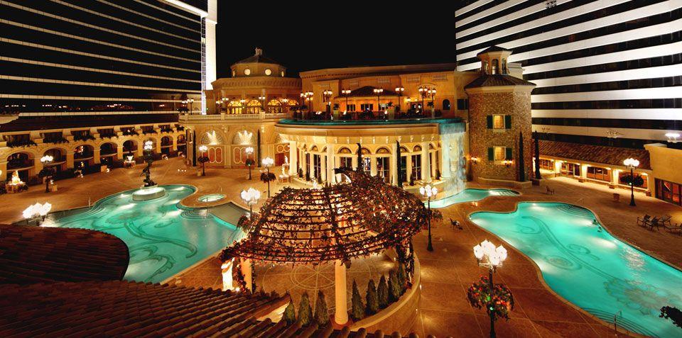 Peppermill Resort Spa Hotel Reno Nv 866 821 9996