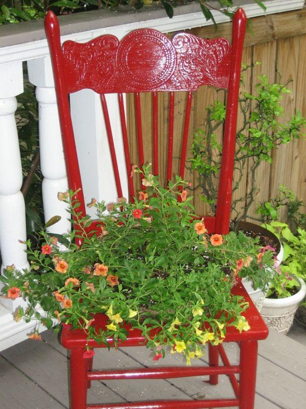 Garten Dekorieren Alter Roter Stuhl Pflanzenbehalter Alte Stuhle Rote Stuhle Dekoration