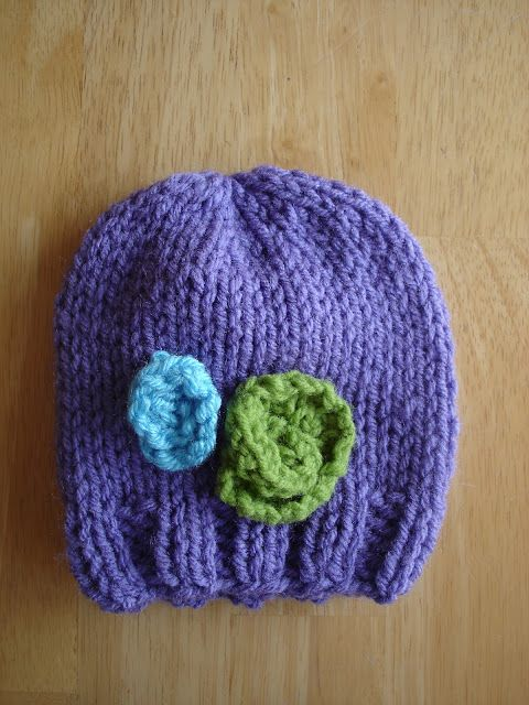 c68b13ca836b Free Knitting Pattern! Baby In Bloom Hats