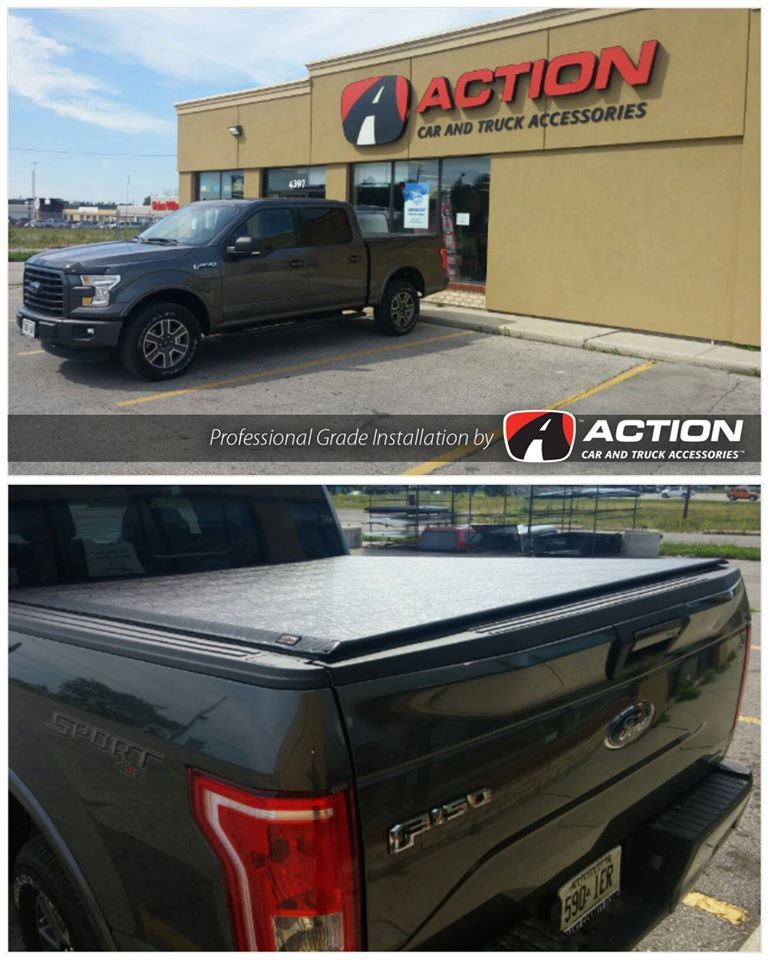 2015 Ford F150 with a Lo Pro QT tonneau cover by TruXedo