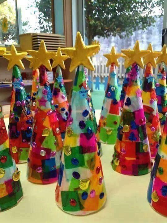 유치원 어린이집 겨울 미술활동 겨울 프로젝트 겨울 자연물놀이 겨울 미술 겨울 환경판 겨울 환경구성 리스만들기 트리만들기 네이버 블로그 공예 크리스마스 트리 종이 크리스마스 트리