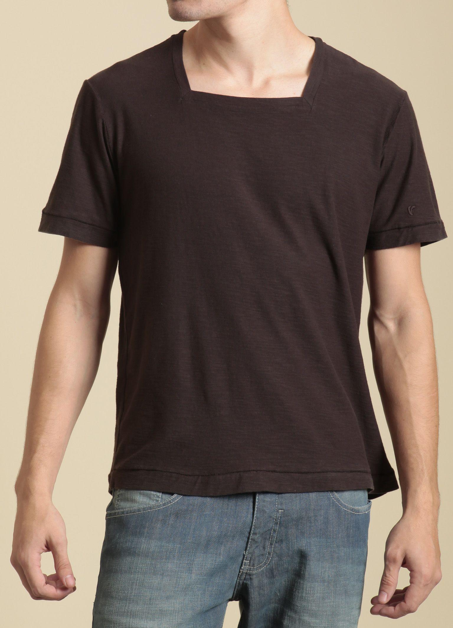 901d5a50ac T-Shirt Básica Gola Quadrada