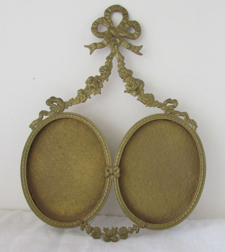 Antique victorian french garland bow brass small oval hanging antique victorian french garland bow brass small oval hanging double frame jeuxipadfo Image collections