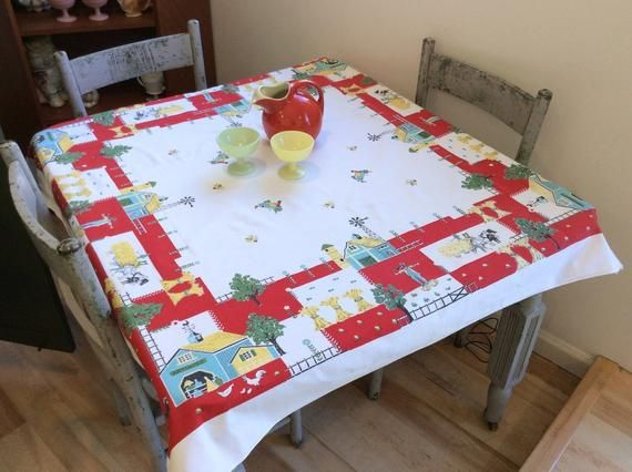 Incroyable Vintage Tablecloth Fun In The Farmyard Scarecrow U0026 Roosters Retro Grandmasu0027  Kitchen Sun Glo Harvest