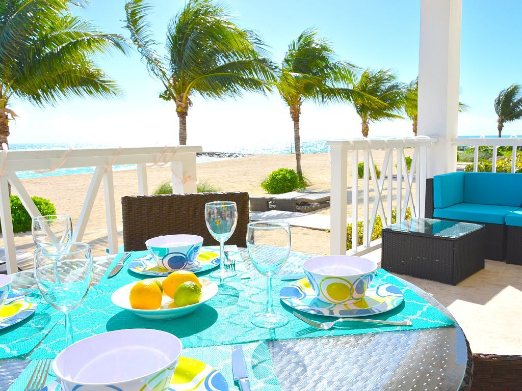 Beachfront oceanfront pure luxury palm cay