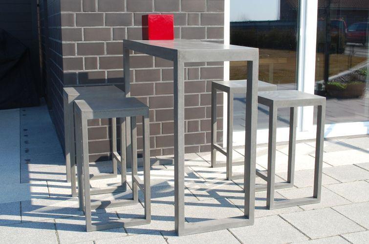 Hoher Tisch Mit Barhockern Beton BARTOP OPEN In Grau Auf