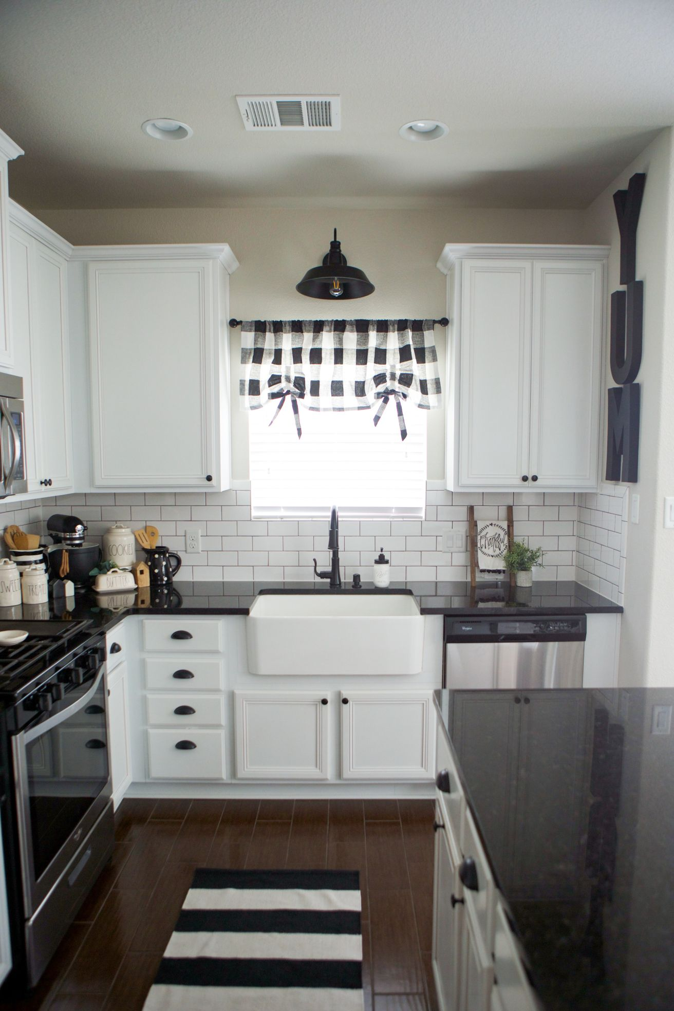 yet another kitchen makeover teal kitchen decor farmhouse kitchen modern farmhouse kitchens on farmhouse kitchen black and white id=91960