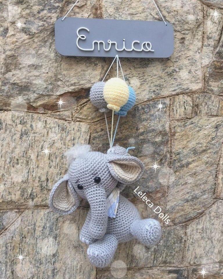 Resultado de imagem para porta maternidade de croche | Bonecas ... | 960x768