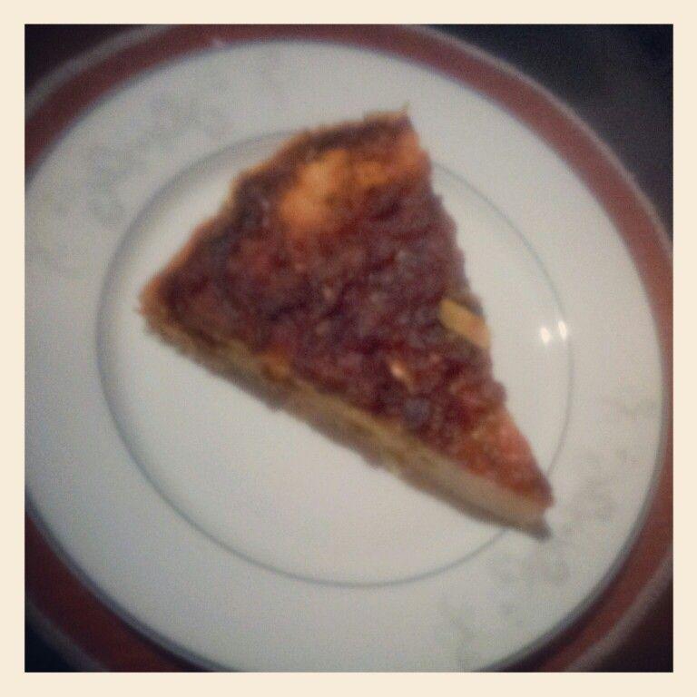 Pizza de atum, fabricaçao própria.