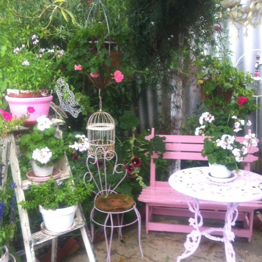 10 Awesome Shabby Chic Porch Decor Projects You Can Do