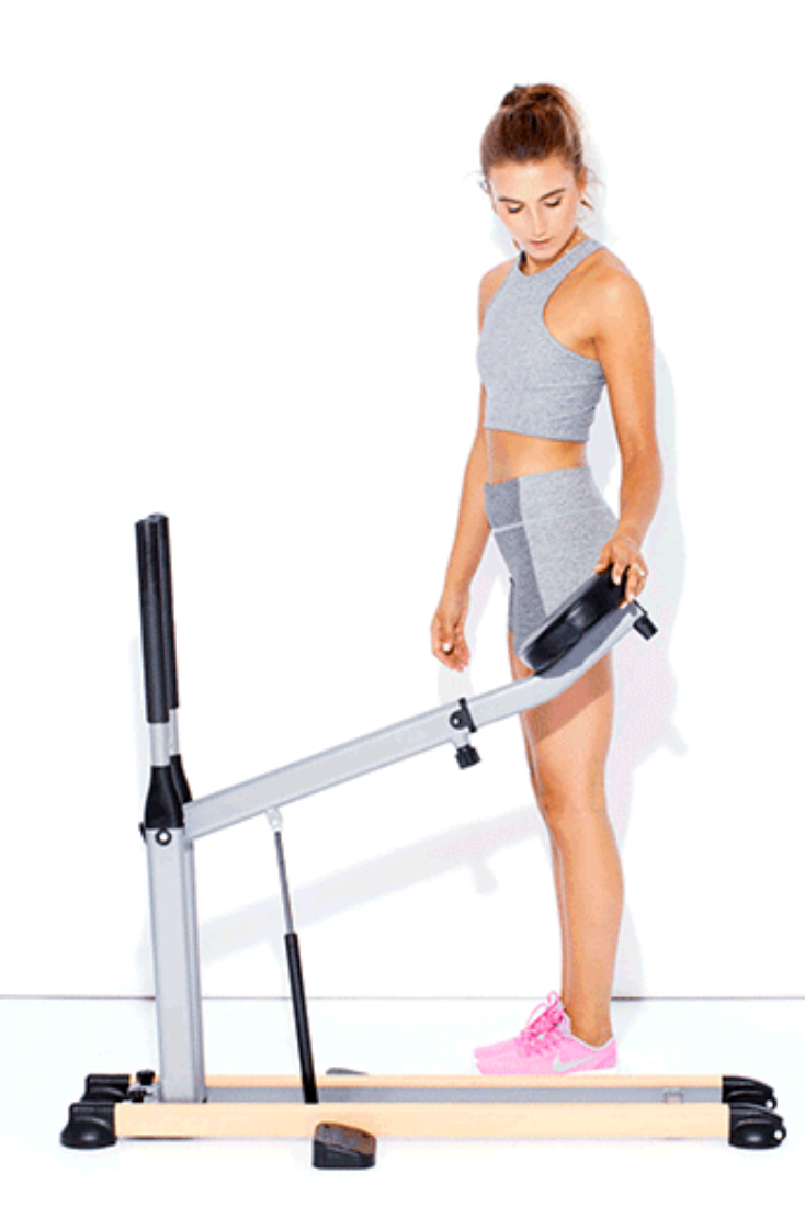 This Machine Helps You Do The Perfect Squat Form