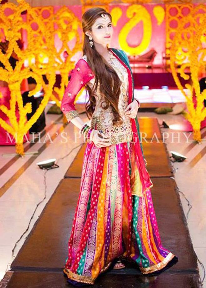 Mehndi Outfits 2017 : Latest bridal mehndi dresses collection