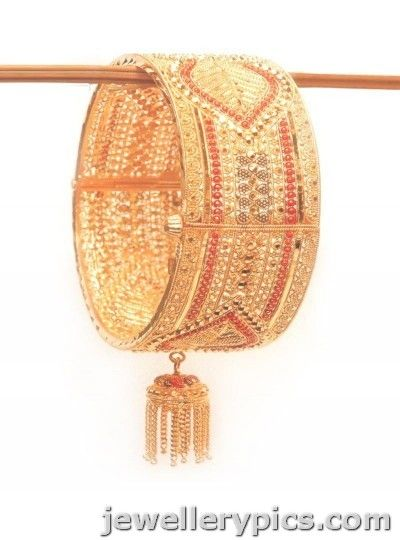 e4a45b594504d Gold broad | wide bangle deisgns from Saravana stores Chennai ...
