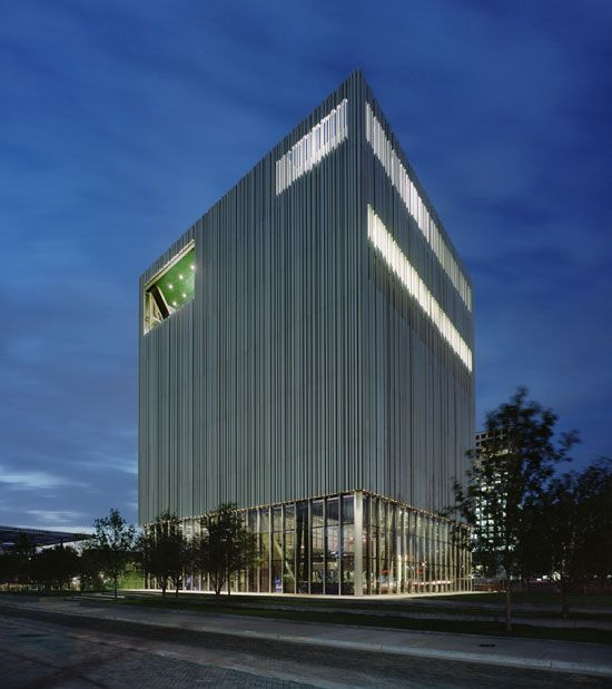 Modern Architecture Dallas opened today, the wyly accommodates back and front-of-house areas