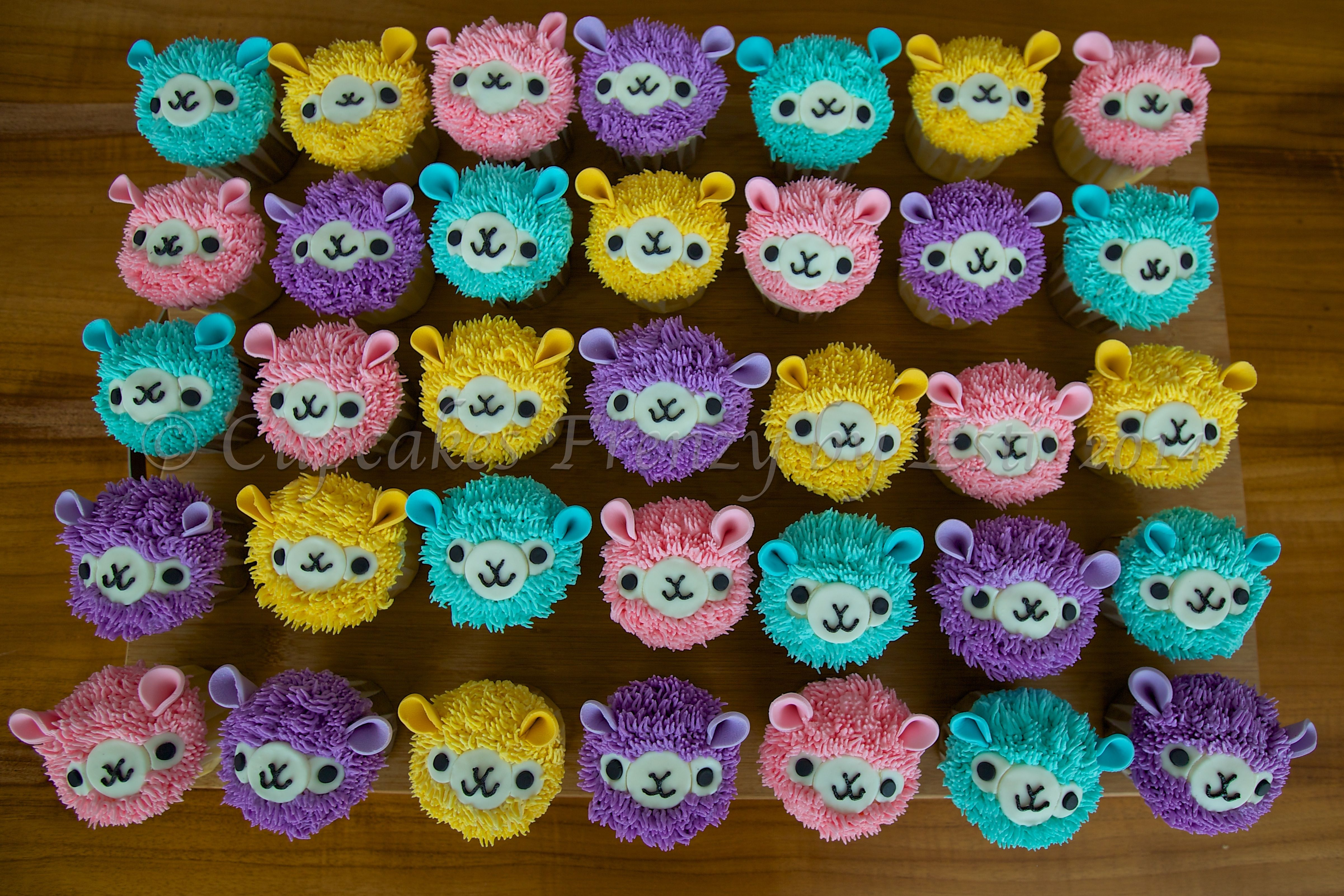 Llama or Alpaca Cupcakes!! So CUTE!!! Alpacasso Cupcakes ...