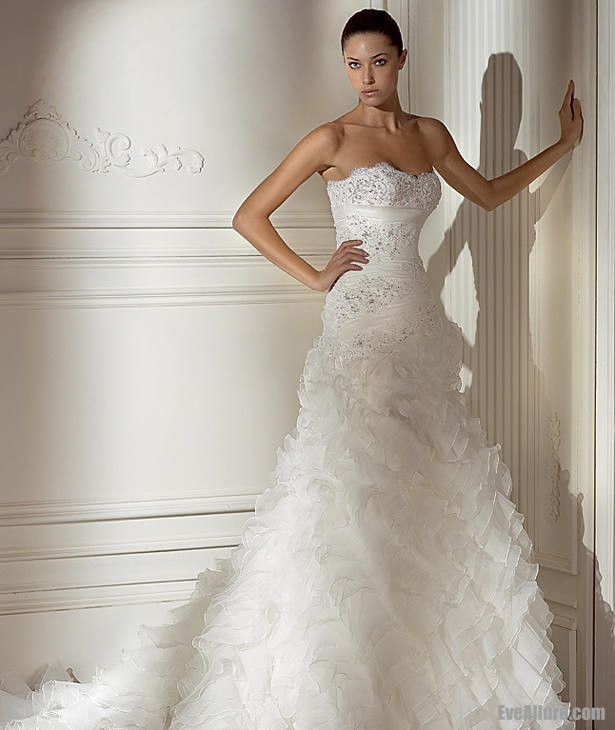 Ball Gown Strapless Sweetheart Chapel Train Satin Organza Wedding Dress with Beading and Embroidery
