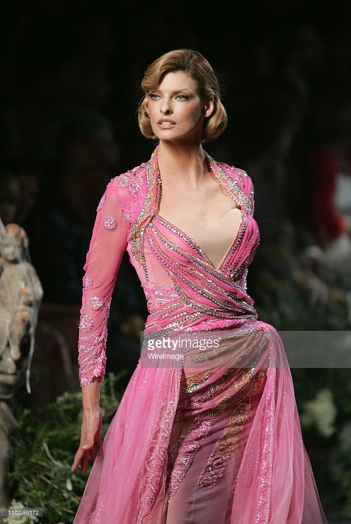 Linda Evangelista Wearing DIOR Haute Couture during 2005 Paris Fashion Week - Haute Couture - Fall/Winter 2005/2006 - DIOR - Runway at Polo de Paris in Paris, France.