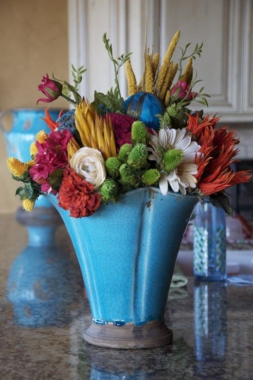 Vaso lindo fake flowers arrangements pinterest perfect for my black thumb pretty fake flowers mightylinksfo