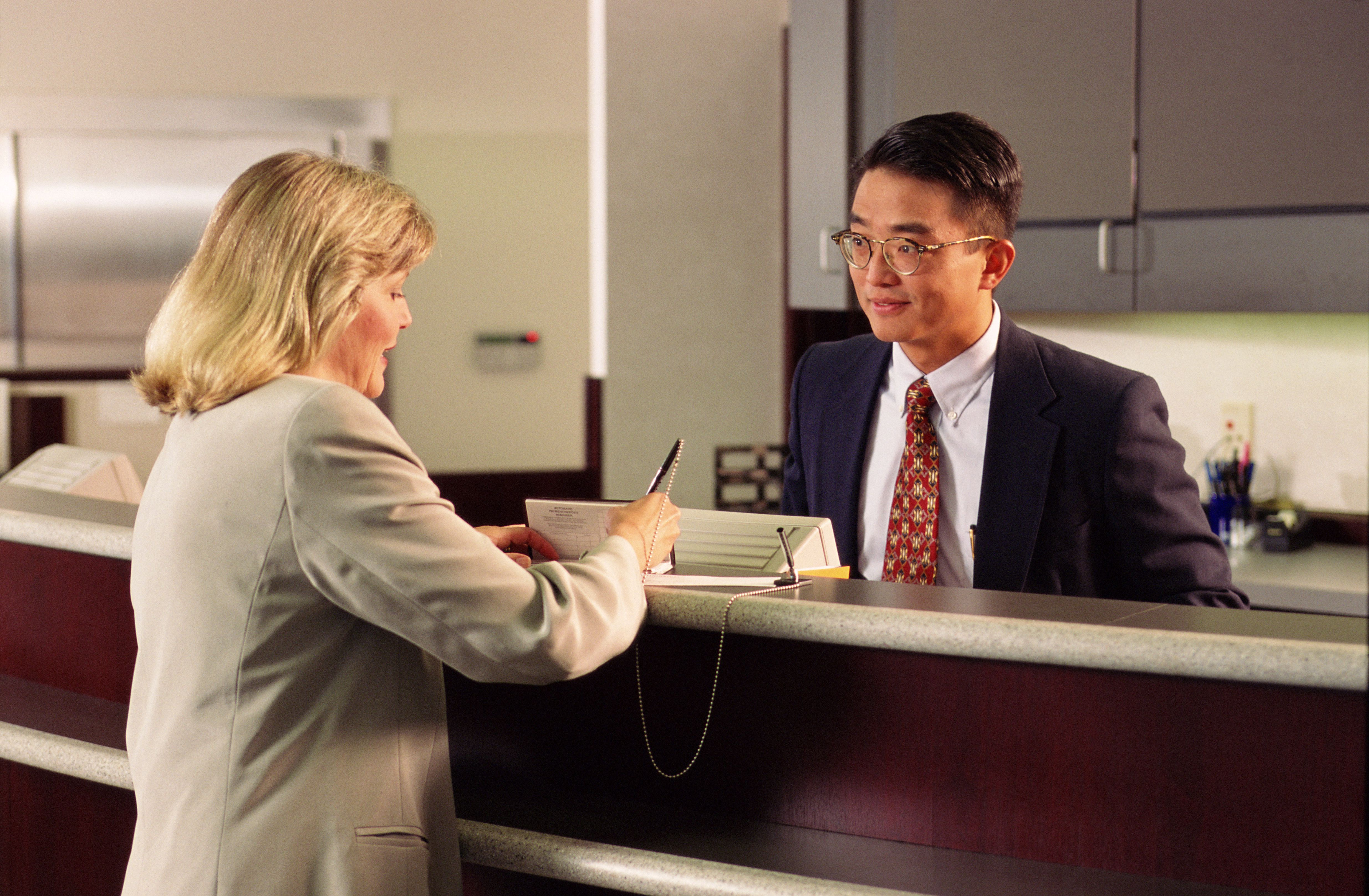 Bank Teller Job Description Salary Skills More Bank Teller Bank Jobs Bank Teller Resume