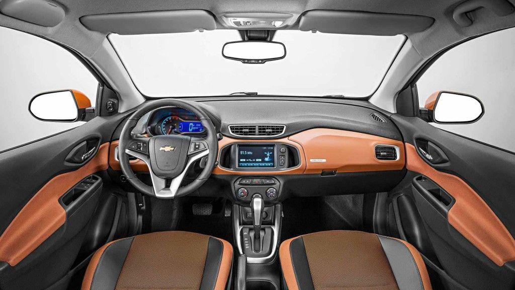 Nao E So Por Fora Que O Chevrolet Onix Activ 2018 Da Um Show De Personalidade E Estilo Carros Onix Projetos De Carros