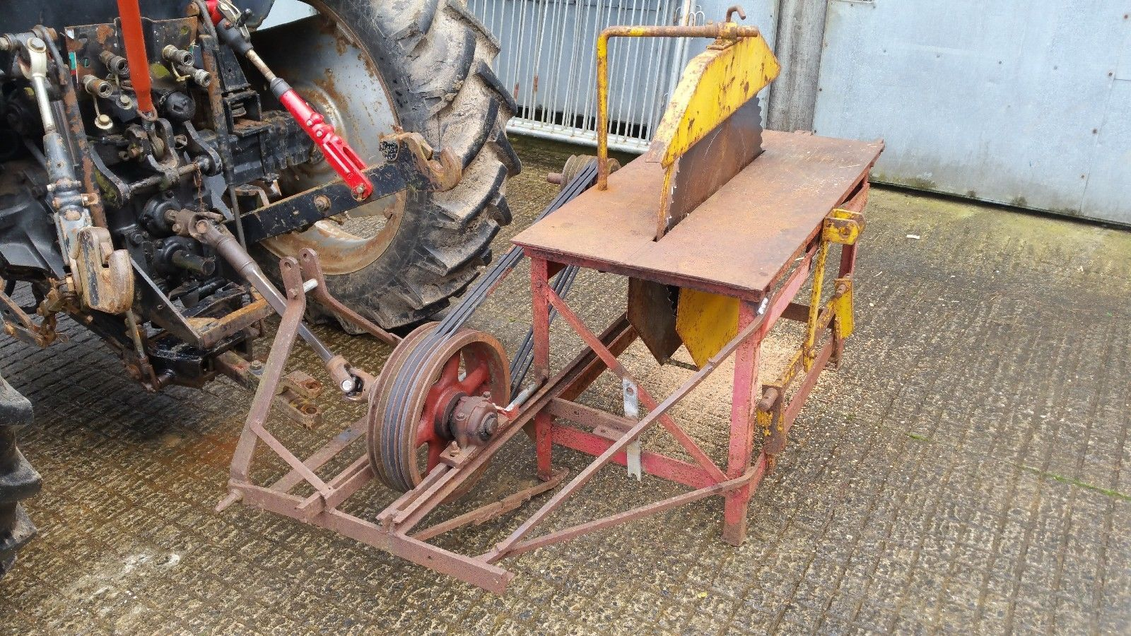 Tractor Pto Driven Circular Saw Bench Buy Now 300 Devon Ebay Circular Saw Circular Ebay
