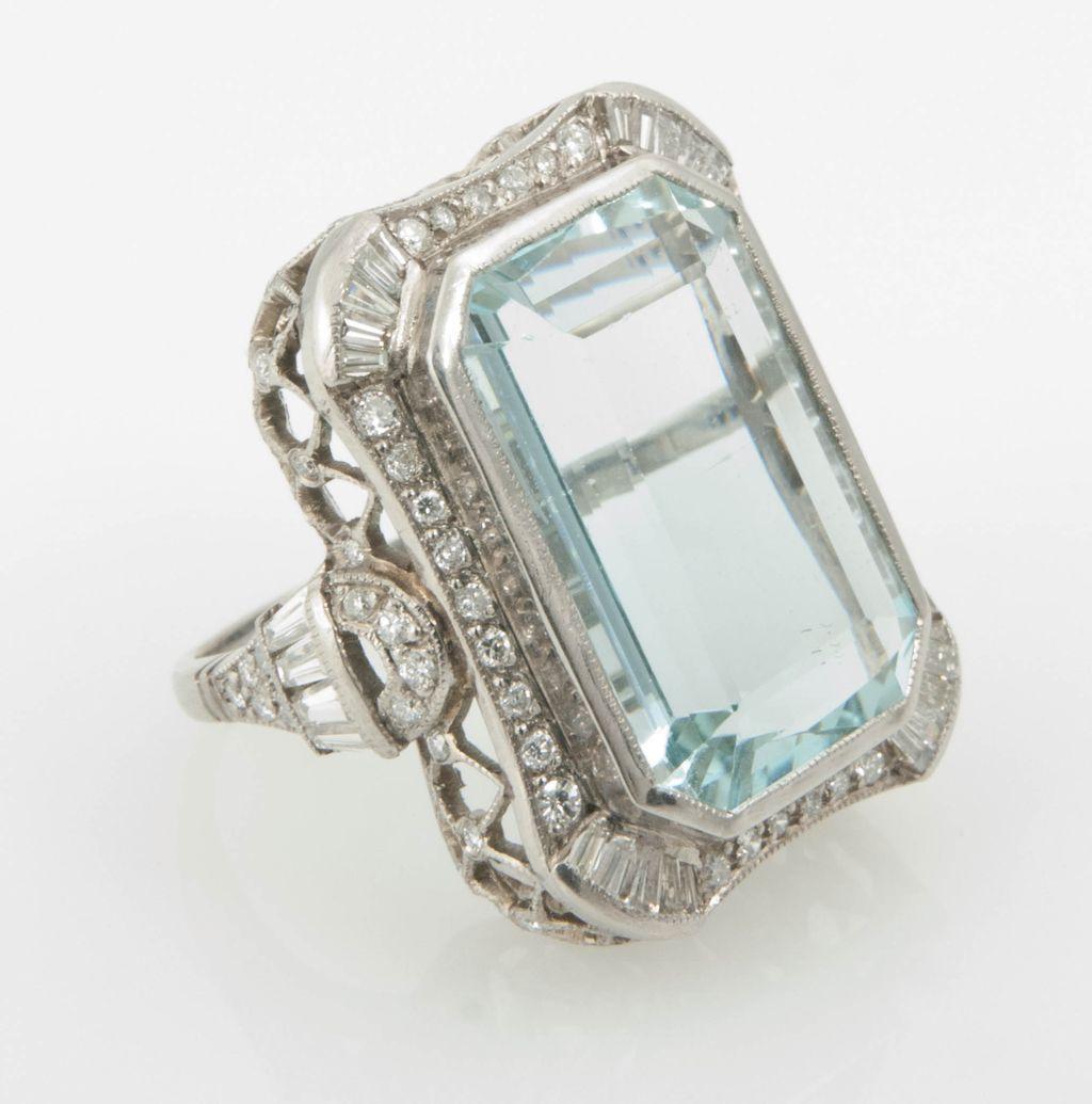 Aquamarine pendant March Birthstone silver bezel 17.5ct