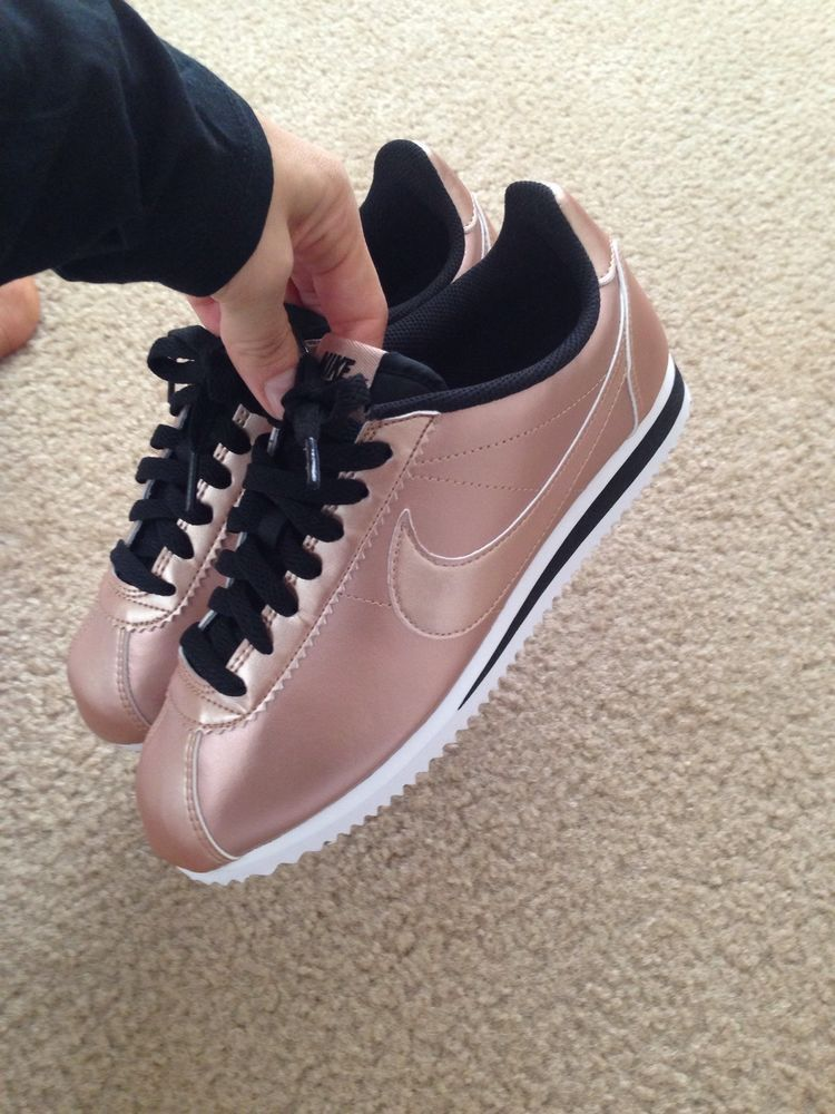 Women s Nike Classic Cortez Leather Metallic Bronze Gold Rose size US 8   Nike  Comfort 4a359886fb