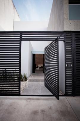 Puerta hierro entrada chalet puertas de hierro puertas - Puertas de chalet ...