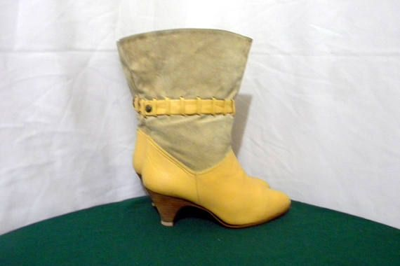 Sz 6.5b Vintage short flare out Vanilla leather and suede