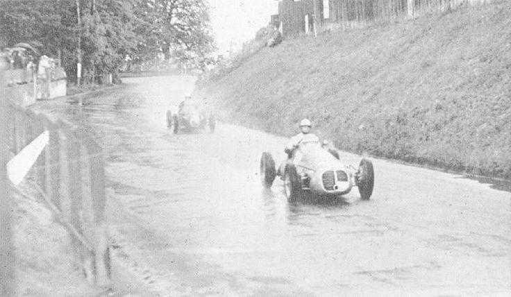 #8 Louis Rosier (F) - Talbot Lago T26C-DA (Talbot 6) 9 (8) Ecurie Rosier #14 Stirling Moss (GB) - HWM 51 (Alta 4) 8 (14) HW Motors