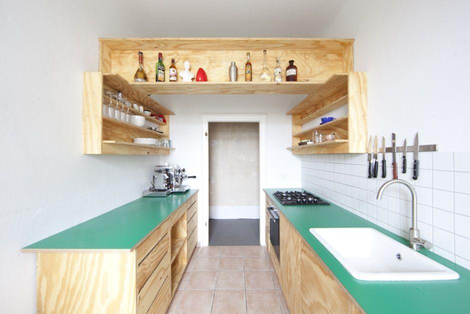 Zwei Hecken Projekte Corridor Kitchen Karl Marx Allee Sperrholzkuche Holzkuche Offene Kuchenregale