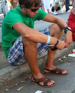 Chinelos e Sandálias para Homens: Feliz Ano Novo! http://malefeetbrazil.blogspot.com.br/2013/12/feliz-ano-novo.html