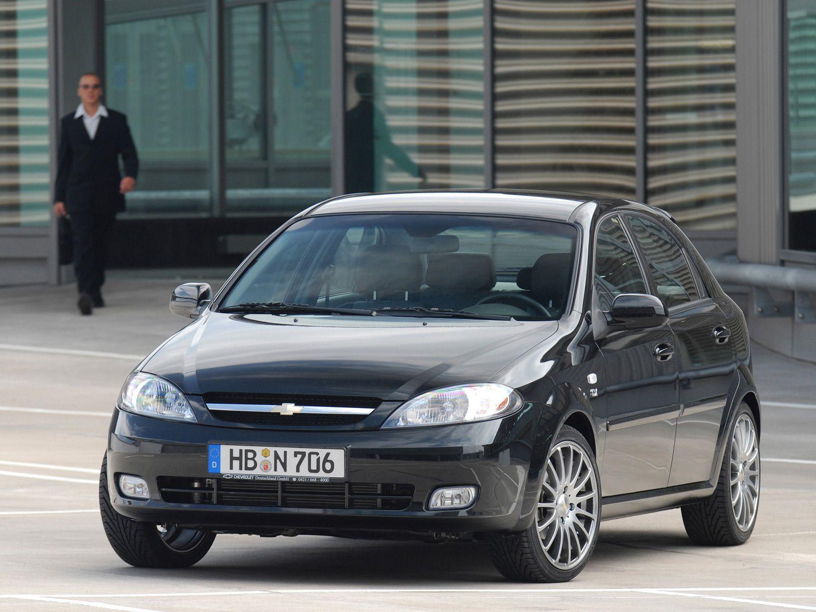 Black Chevrolet Lacetti 4