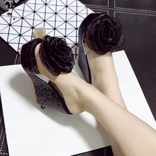26.96$  Watch now - https://alitems.com/g/1e8d114494b01f4c715516525dc3e8/?i=5&ulp=https%3A%2F%2Fwww.aliexpress.com%2Fitem%2FBig-flower-plastic-shoes-sandals-fashion-platform-slippers-sweet-sandals-ultra-wedges-high-heels-open-toe%2F32581906508.html - Big flower plastic shoes sandals fashion platform slippers sweet sandals ultra wedges high heels open toe female sandals